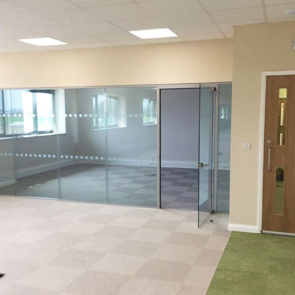 acoustic glass for meeting room